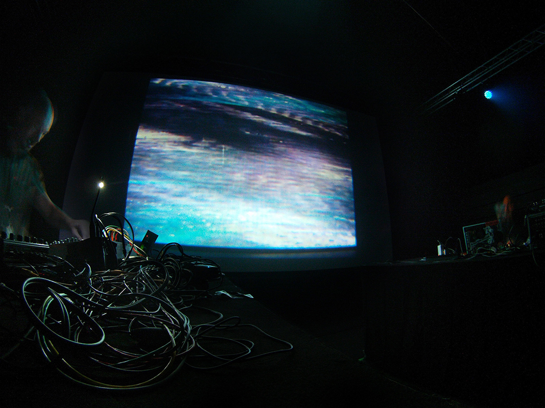 Kamikaze Space Programme and Geso Live AV